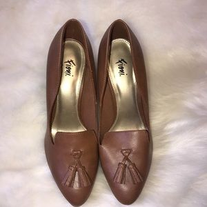Woman's Fioni brown heels size 7 new